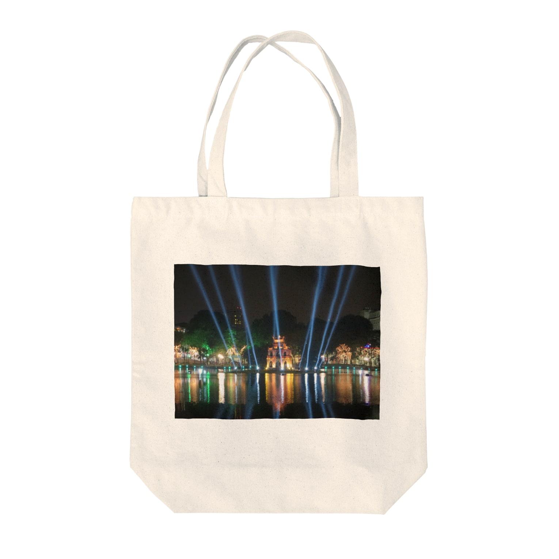 Tetsunori Yuasaのホアンキエム湖大晦日ライトアップ Tote bags