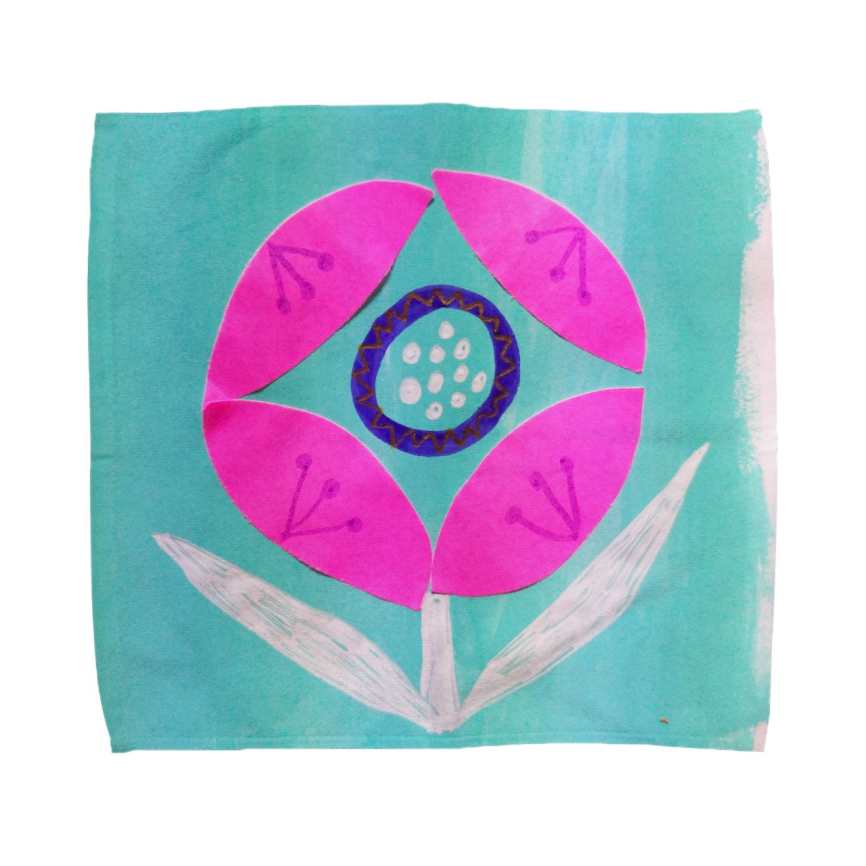 しがないななしSHOPのぱっと咲いた Towel handkerchiefs
