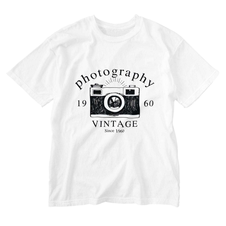 IZANAGIのレトロなカメラあ Washed T-shirts