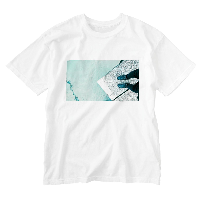 古春一生(Koharu Issey)の今日じゃない。(海と靴) Washed T-shirts