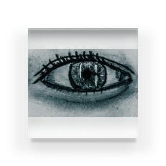 綺麗な右目 アクリルブロック