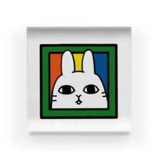 イノセントな目のうさぎ Acrylic Block
