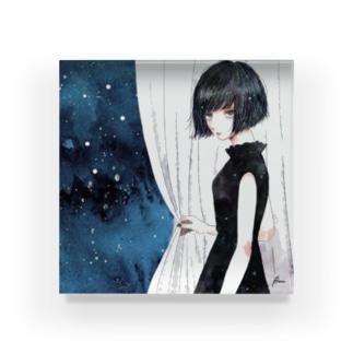 ienai Acrylic Block