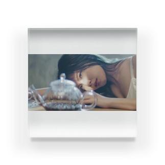 Jjjukaの宇野実彩子 Acrylic Block
