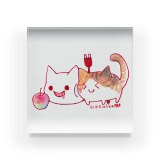 ねこさんと三毛猫とリンゴ Acrylic Block