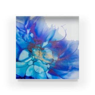 Bloomy blue Acrylic Block