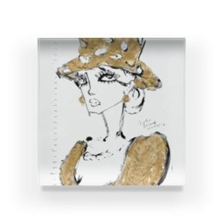 𝐌𝐢𝐤𝐚 𝐑𝐨𝐥𝐚𝐧𝐝 ~ 𝐩𝐥𝐚𝐧𝐞𝐭のMR 金色の夫人 Acrylic Block