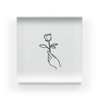 一輪のバラ(手書き風) Acrylic Block