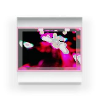 overlap2 Acrylic Block
