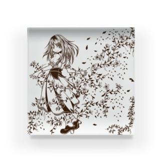 花と刺繍の女の子 Acrylic Block