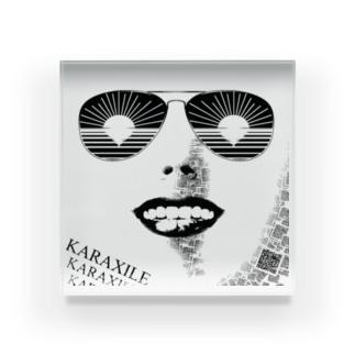 カラザイル/KARAXILE Acrylic Block