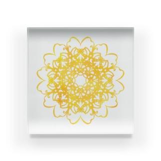 笑門来福のお花yellow Acrylic Block