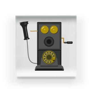 レトロな片耳受話器の片耳受話器の壁掛け電話(デルビル磁石式電話機)のイラスト  黒 受話器外しver Acrylic Block