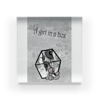 A girl in a box Acrylic Block