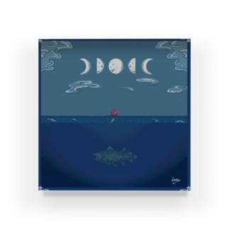夜の海と月と薔薇とシーラカンス Acrylic Block
