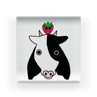 いちごのチーゴくん いちごと牛 Acrylic Block