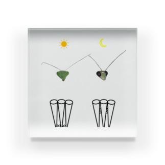 カマキリの昼と夜の複眼(絵文字、背景透過ver) Acrylic Block
