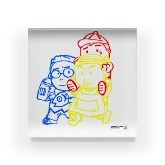 TOMMY★☆ZAWA ILLUSTRATIONの「たすけあい。三兄弟。」 Acrylic Block