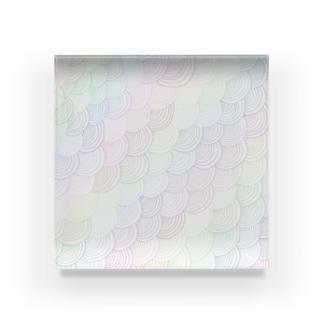 なないろの何かのパターン Acrylic Block