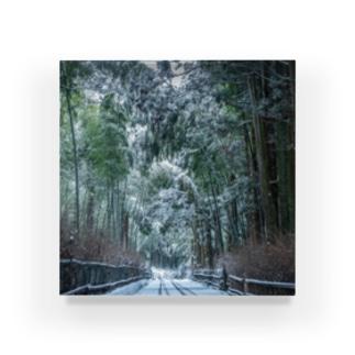 雪が積もった竹林 Acrylic Block