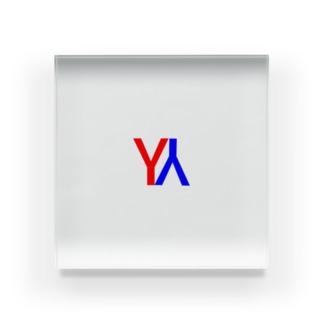 YY Acrylic Block