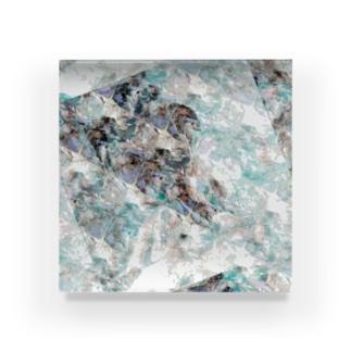 Qu Acrylic Block