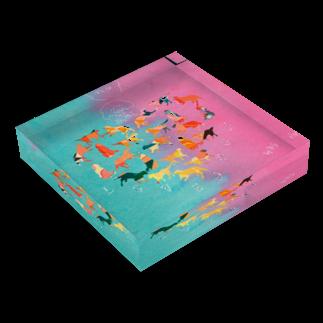 アライグマ製作所(SUZURI)のLOVE NICOLE Acrylic Blockの平置き