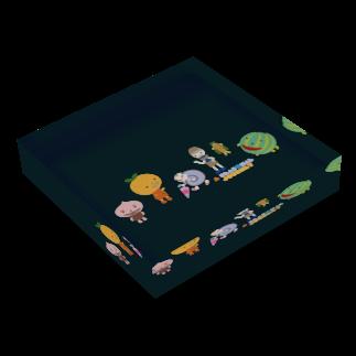 nachau7のアメリアさんの季節の旅 Acrylic Blockの平置き
