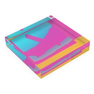 Horizun_Illusion Acrylic Block