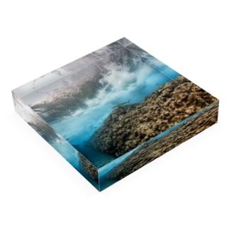 Wave009 Acrylic Block