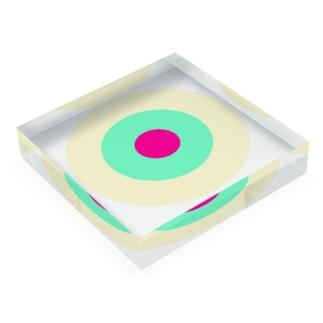 CORONET70のサークルa・クリーム・ペパーミント・ショッキングピンク2 Acrylic Blockの平置き