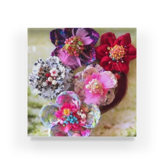 Les Fleurs Acrylic Block