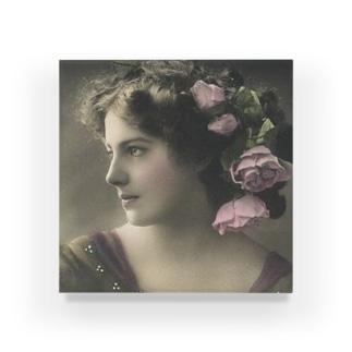 女性A Acrylic Block