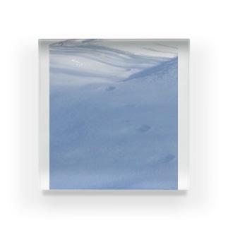 雪と影と足跡 Acrylic Block