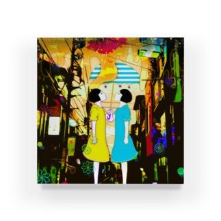 flowing Acrylic Block