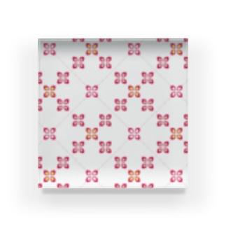 お花っぽいレトロパターン レッド Acrylic Block