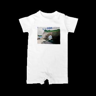 タコ夜勤@スタンプ制作致しますの海辺のデザイン 油彩風 Baby rompers