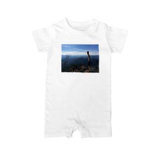 山から景色を眺める Baby rompers