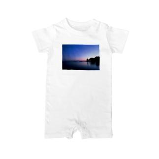 夕陽が沈んだ海岸線 Baby rompers