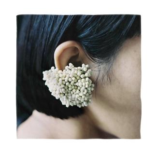 harucamera earflowervase ライスフラワー Bandana