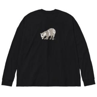 足元が気になるたぬき Big silhouette long sleeve T-shirts