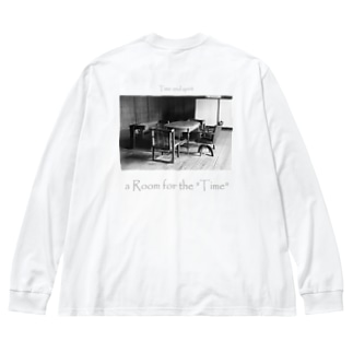 """a Room for the """"Time"""" ~ BW Big silhouette long sleeve T-shirts"""