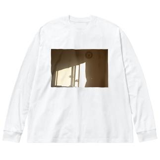 部屋に入る西日 Big silhouette long sleeve T-shirts