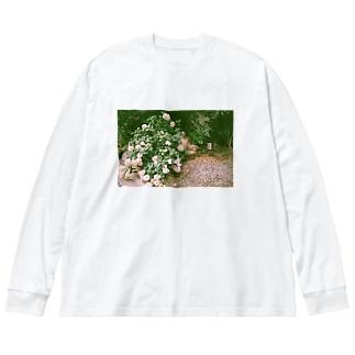 アジサイとそれを見るための椅子 Big silhouette long sleeve T-shirts