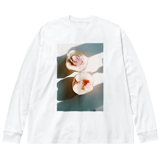 harucamera モモ Big silhouette long sleeve T-shirts