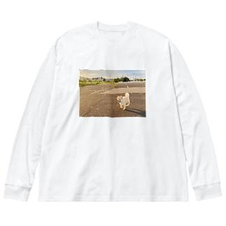 走るとらちち Big silhouette long sleeve T-shirts