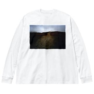 阿蘇山と足跡Tシャツ Big silhouette long sleeve T-shirts