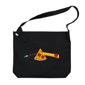 狂気とチーズほとばしるピザ Big shoulder bags