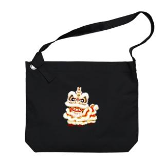 お獅子white Big shoulder bags