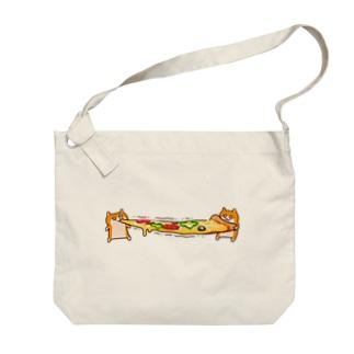 ピザビヨーンクソハム Big shoulder bags